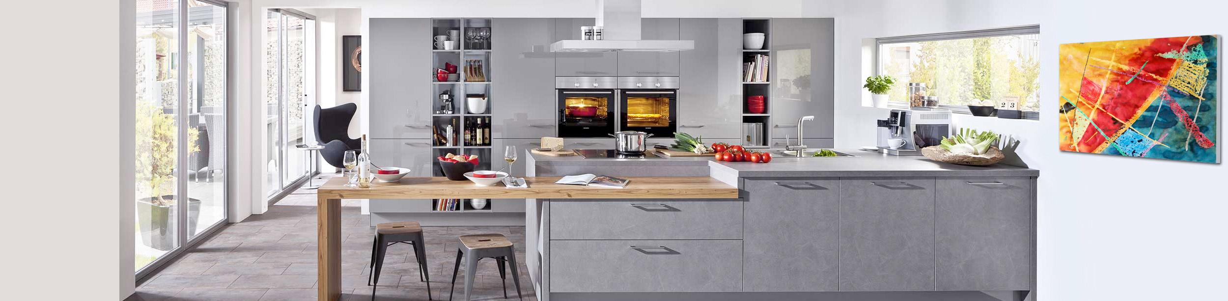 Küchen, Einbaugeräte und Zubehör