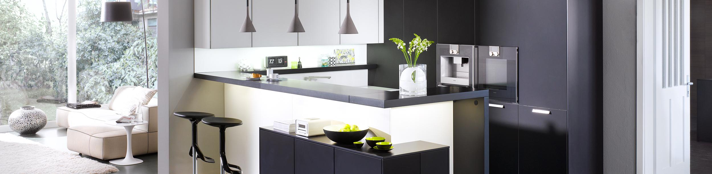 Hochwertige kuechen  Küchen, Einbaugeräte und Zubehör – Einrichten mit Top-Marken ...